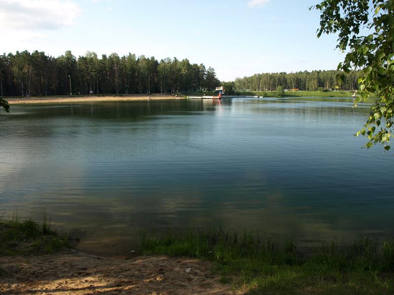 Озерная вода